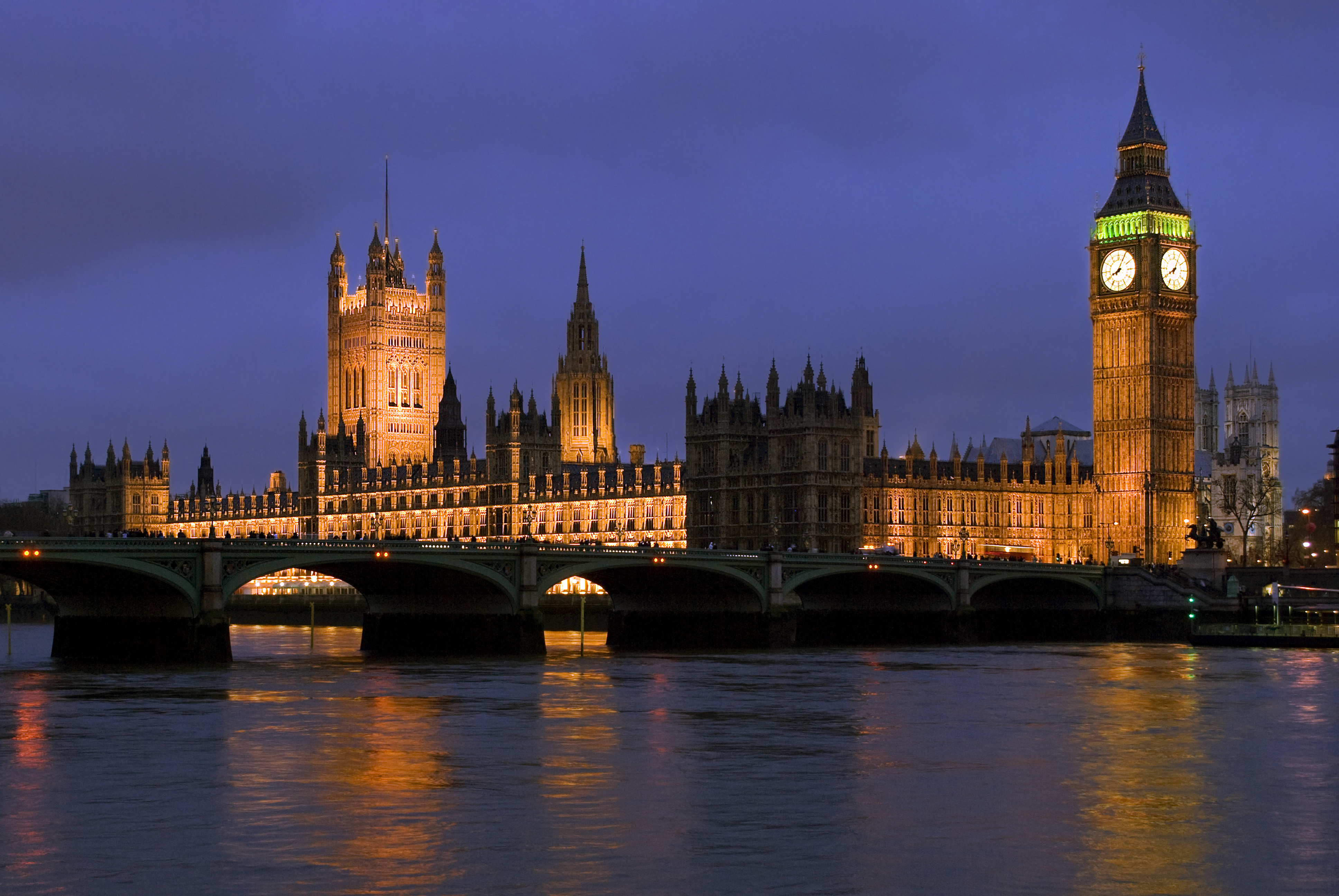 Houses of Parliament, London (photo credit: Y. Ballester/flickr)