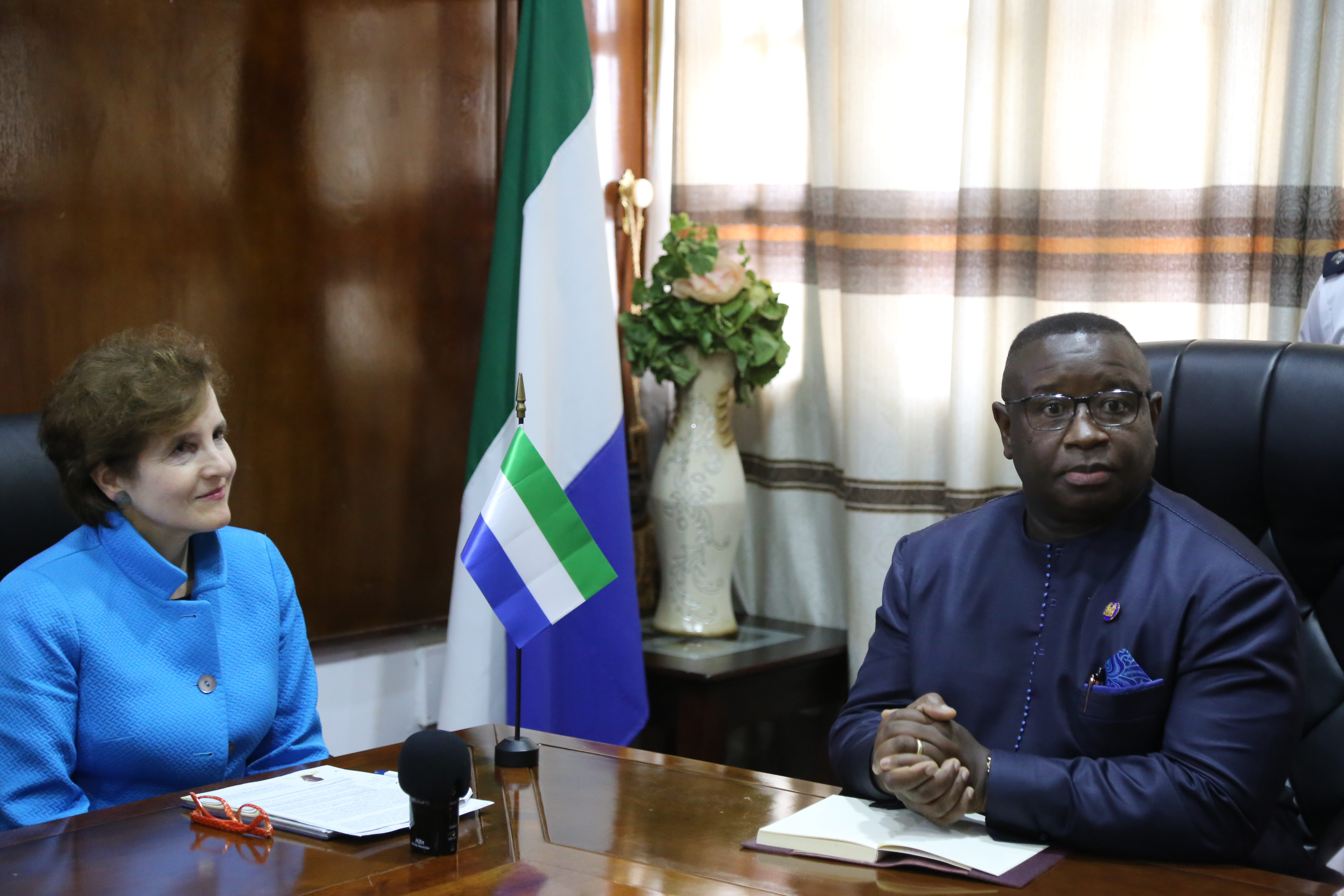 President of Sierra Leone, Julius Maada Bio (right) (photo credit: Global Partnership for Education/flickr)