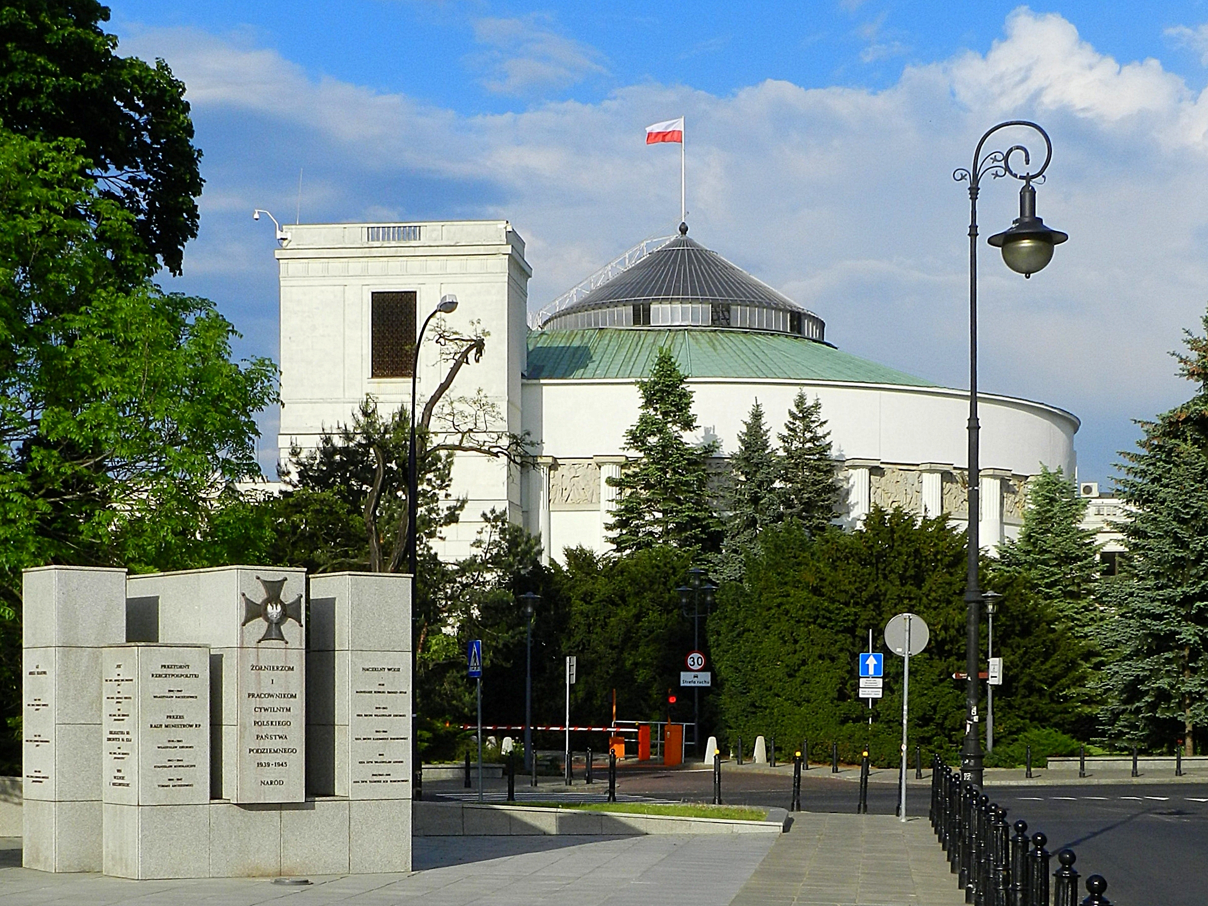 Parliament of Poland (photo credit: Bartosz Morag/flickr)