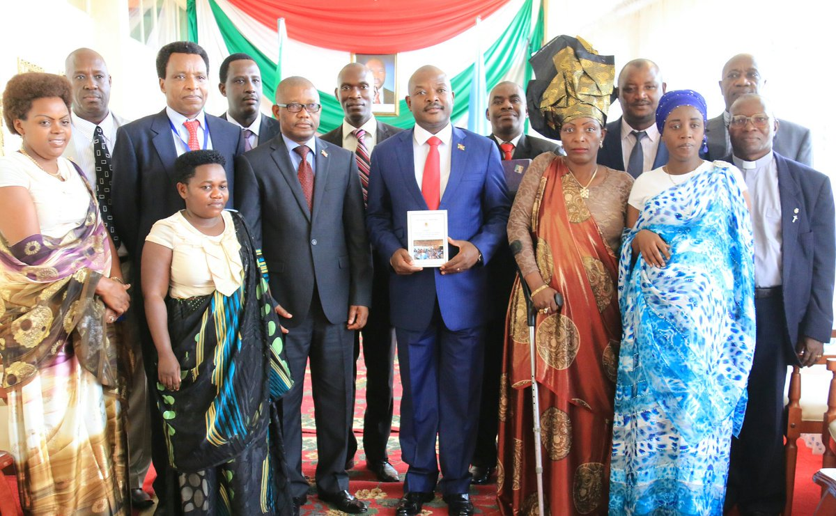 President Nkurunziza receives report of the CNDI (National Commission for Inter-Burundian Dialogue) in May 2017 (photo credit: Burundian Presidency)