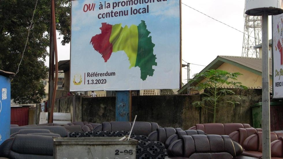 Referendum Campaign Poster encourages voters to support new constitution (photo credit: Reuters/Stringer)