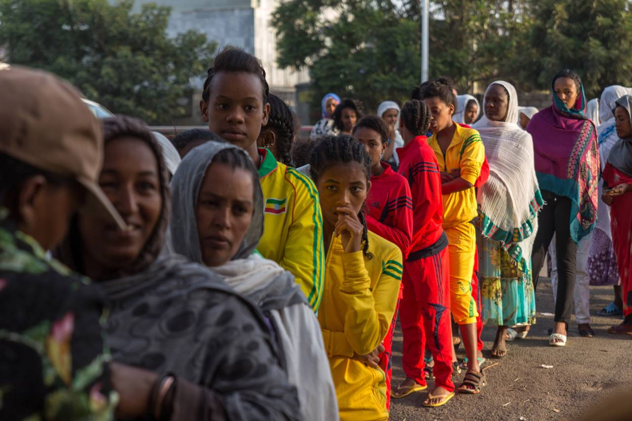 Voters queue to cast their votes in Ethiopia's 2015 general election (photo credit: Associated Press)
